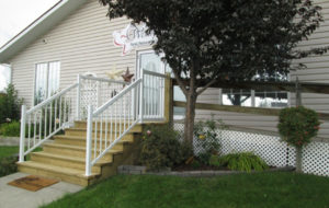 Wellspring Family Resource and Crisis Centre Front Steps